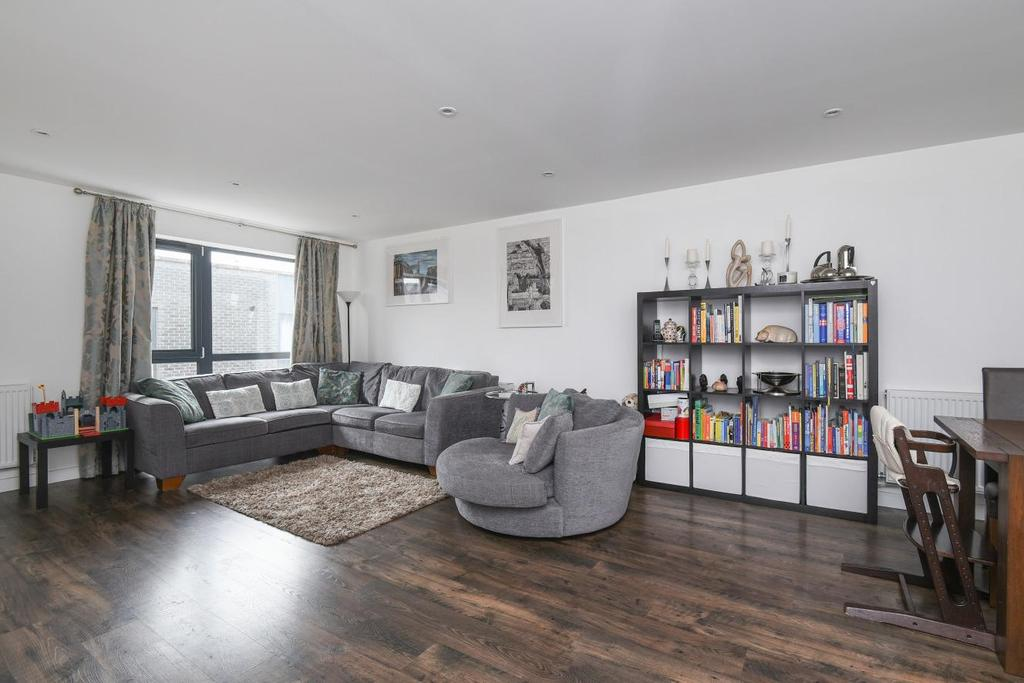 3 Bedrooms Terraced House for sale in Chiltonian Mews, Hither Green