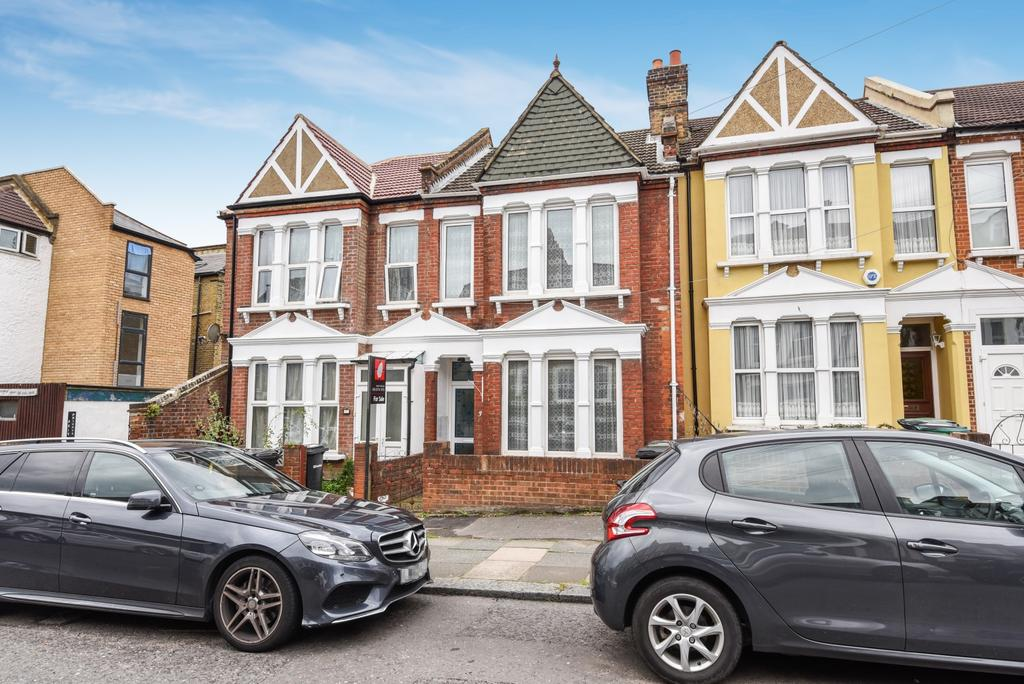 3 Bedrooms Terraced House for sale in Ravensbourne Road Catford SE6