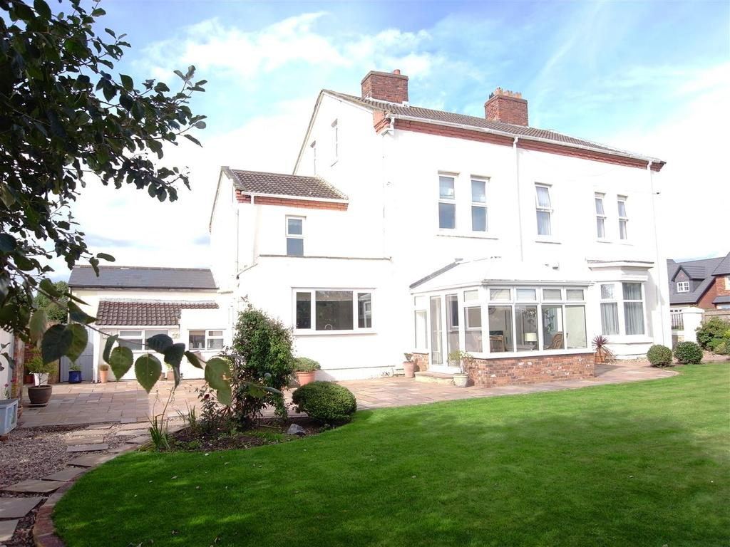 4 Bedrooms Semi Detached House for sale in Sadberge Road, Middleton St George