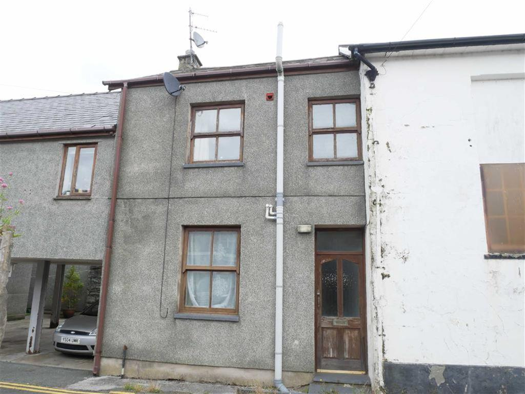2 Bedrooms Terraced House for sale in Nr Chapel Street, Porthmadog
