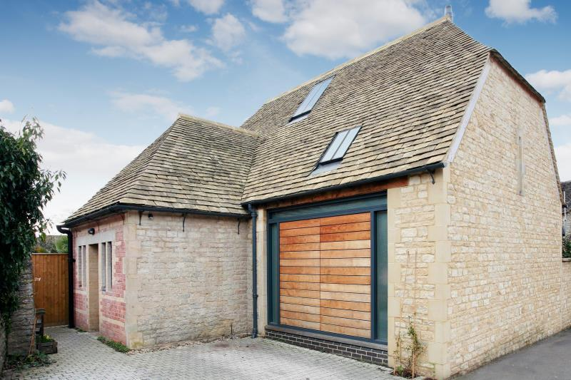 3 Bedrooms Detached House for sale in Windy Corner, Newland, Witney, Oxfordshire