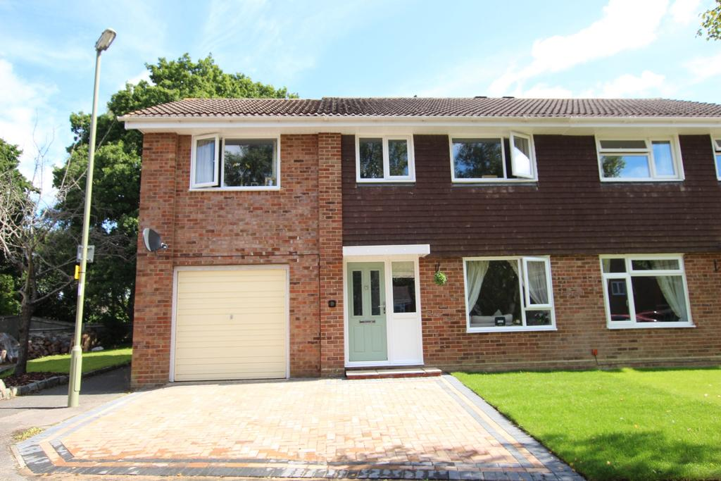 4 Bedrooms Semi Detached House for sale in DIBDEN