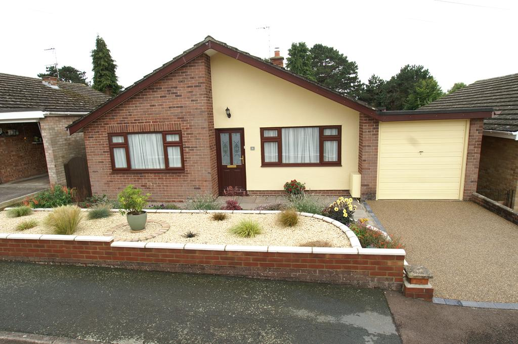 3 Bedrooms Detached Bungalow for sale in Ashmere Rise, Sudbury CO10
