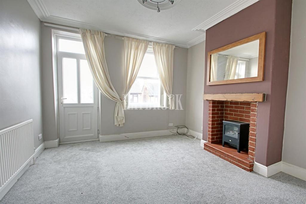 2 Bedrooms Terraced House for sale in High Street, Ecclesfield