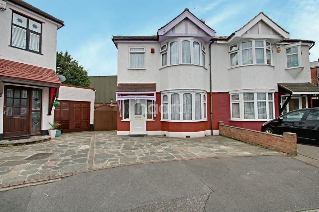 3 Bedrooms Semi Detached House for sale in Glendale Avenue, Chadwell Heath
