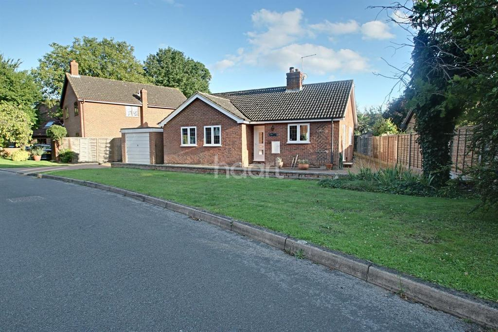 2 Bedrooms Bungalow for sale in Roucelle, Ryecroft Lane, Fowlmere