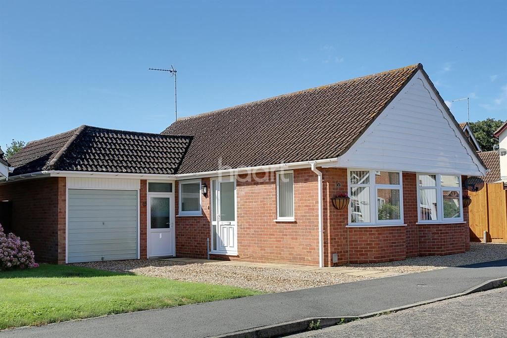 3 Bedrooms Bungalow for sale in Walsingham Court, Leverington