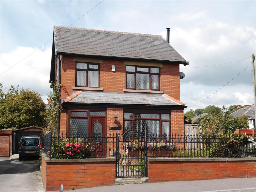 4 Bedrooms Detached House for sale in Whitehall Road East, Birkenshaw, BD11 2EQ