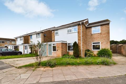 4 bedroom detached house to rent - Buckingham Drive, Luton