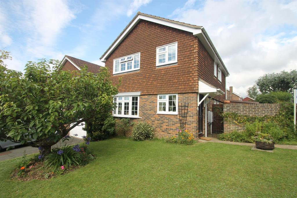 4 Bedrooms Link Detached House for sale in Chattenden Court, Penenden Heath, Maidstone