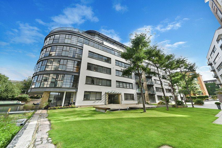 2 Bedrooms Flat for sale in Ice Wharf, 17 New Wharf Road, London, N1
