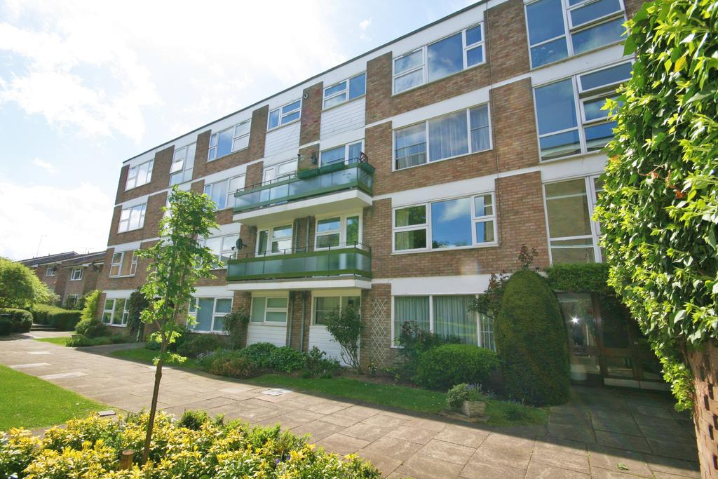 1 Bedroom Apartment Flat for sale in Highcliffe, Clivedon Court, Ealing W13