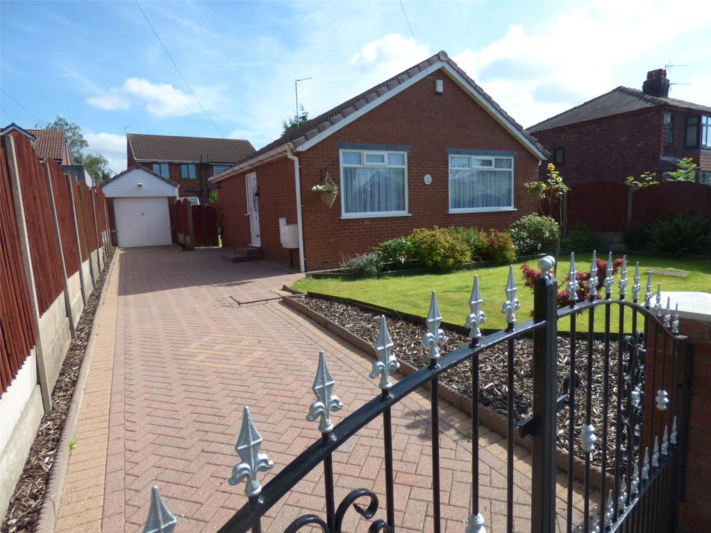 2 Bedrooms Detached Bungalow for sale in Roman Road, Failsworth, Manchester, M35