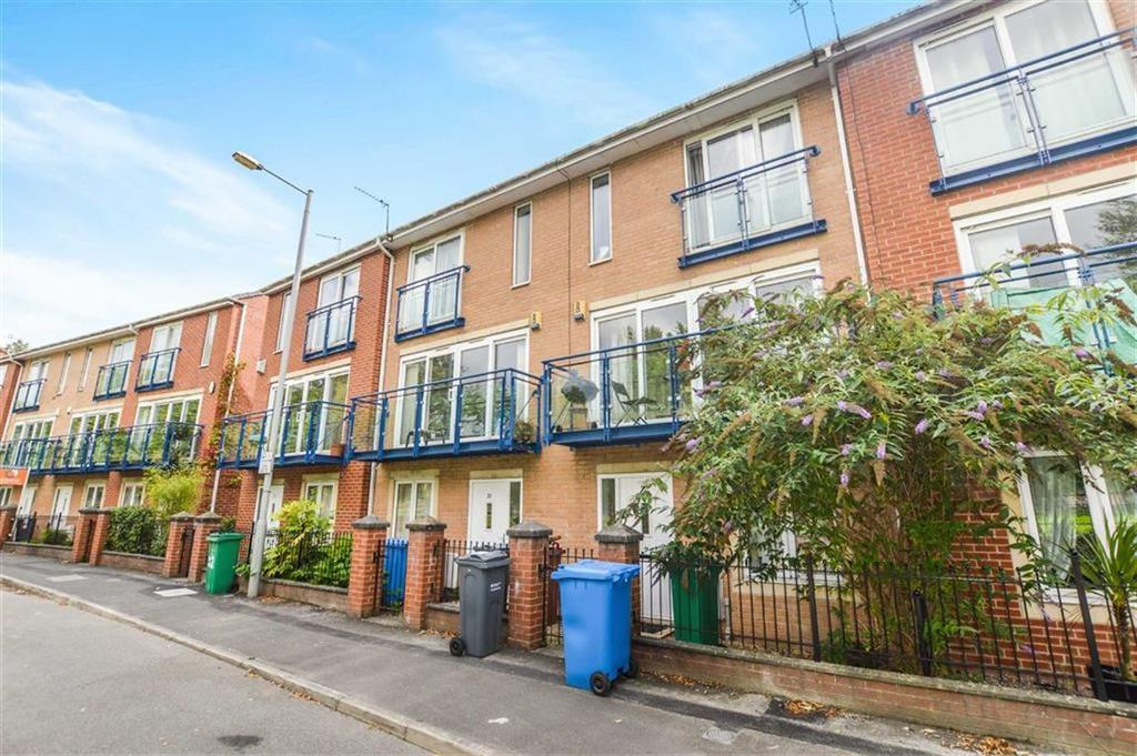 4 Bedrooms Town House for sale in The Sanctuary, Hulme, Manchester, M15