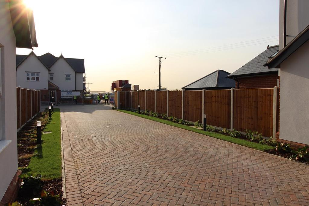 3 Bedrooms Terraced House for sale in Plot 10 Hazelwood Park, Hastingwood, Essex, CM17