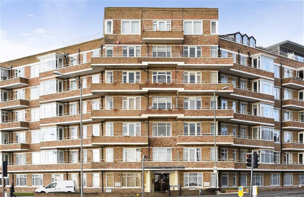 3 Bedrooms Flat for sale in Viceroy Lodge, Hove