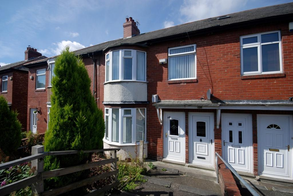 3 Bedrooms Flat for sale in Old Durham Road, Low Fell