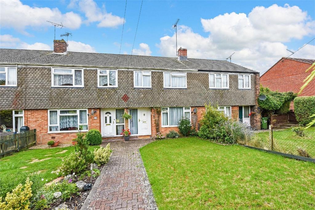 3 Bedrooms Terraced House for sale in Baverstocks, Alton