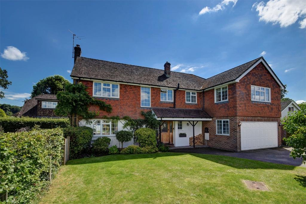 5 Bedrooms Detached House for sale in Crabtree Gardens, Headley, Hampshire