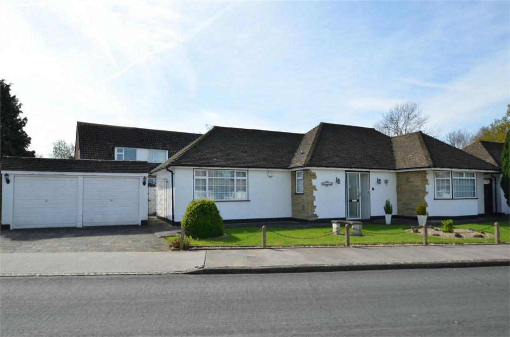 2 Bedrooms Detached Bungalow for sale in High Trees, Shirley, Croydon, Surrey