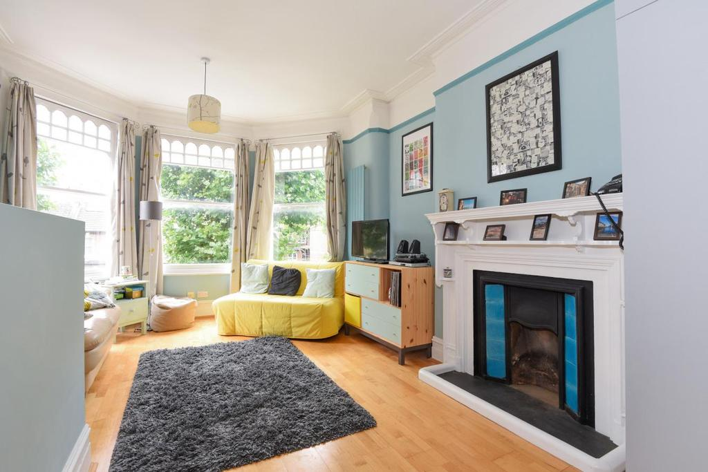 1 Bedroom Flat for sale in Tetherdown, Muswell Hill