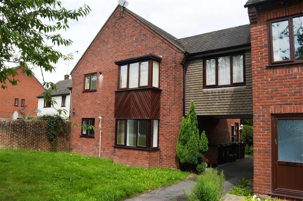 2 Bedrooms Flat for sale in Sheppards Field, Wimborne, Dorset