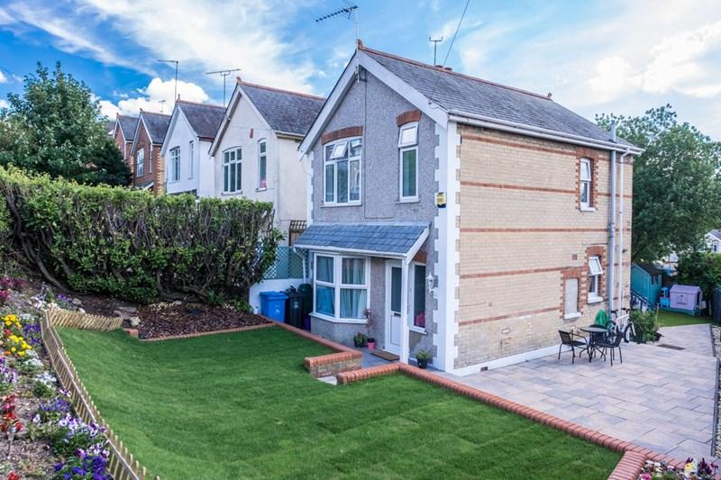 3 Bedrooms Detached House for sale in Lincoln Road, Parkstone, Poole