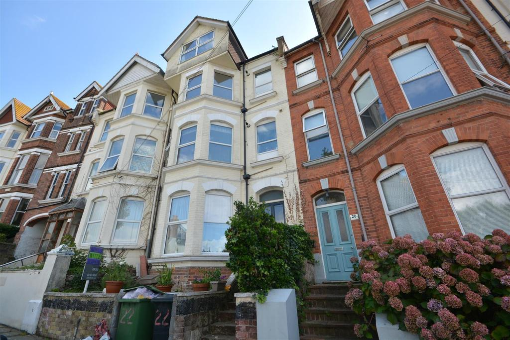 2 Bedrooms Flat for sale in Milward Crescent, Hastings