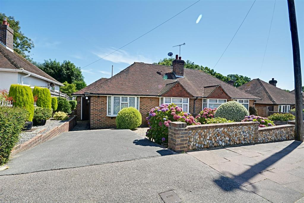 2 Bedrooms Semi Detached Bungalow for sale in Dalehurst Road, Bexhill-On-Sea