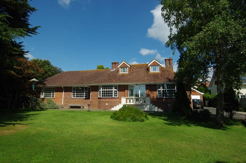 5 Bedrooms Detached Bungalow for sale in Newton Road, Bishopsteignton, Teignmouth