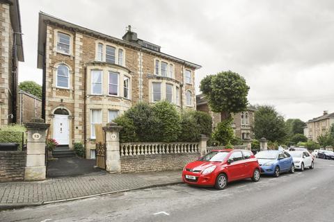 2 bedroom flat to rent - Top Floor Flat (Flat ), Osborne Road, BS8