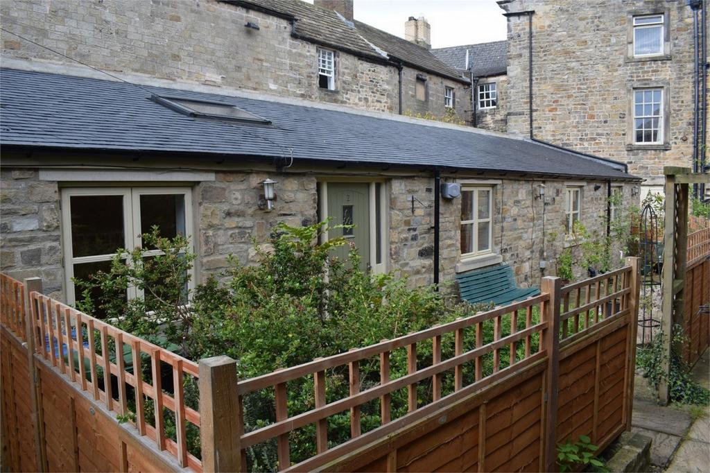 2 Bedrooms Mews House for sale in Coach House Mews, Barnard Castle, County Durham