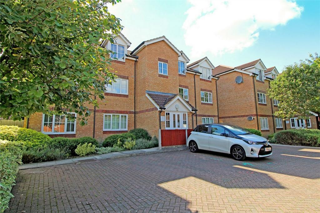 1 Bedroom Flat for sale in Horace Gay Gardens, Letchworth Garden City, Hertfordshire