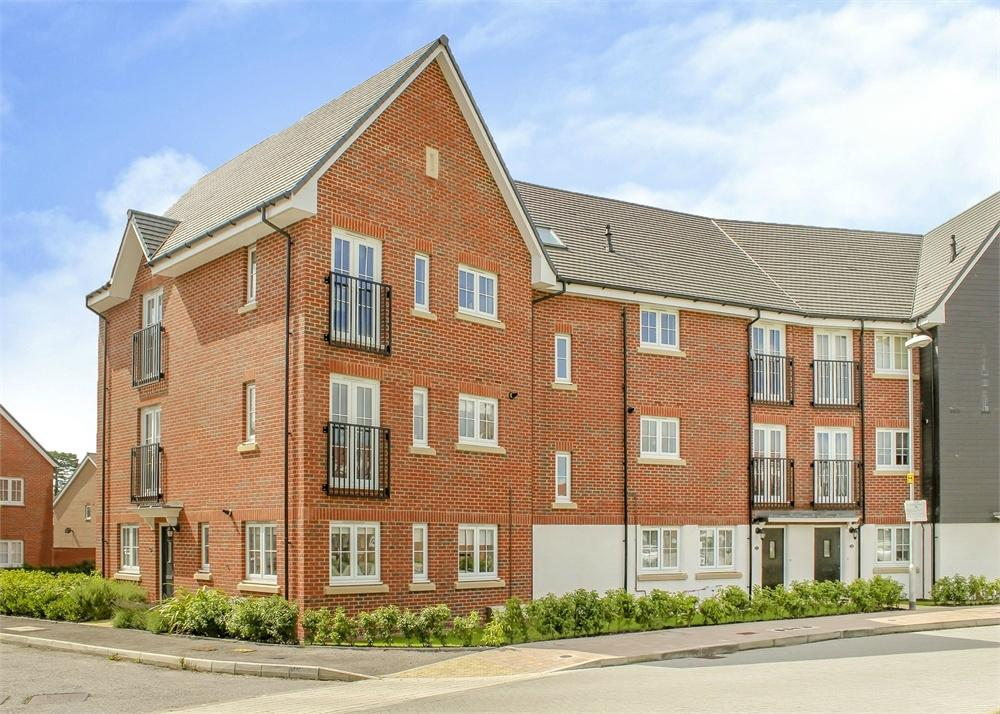 2 Bedrooms Flat for sale in Fulmar Crescent, Bracknell, Berkshire