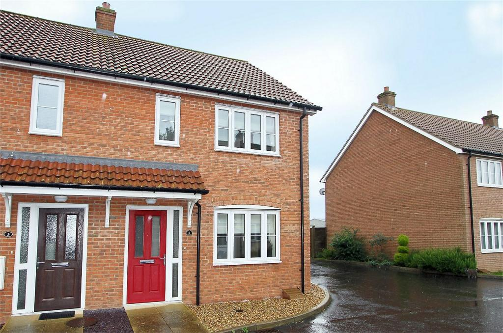 2 Bedrooms Semi Detached House for sale in Merchants Court, Watton, Norfolk