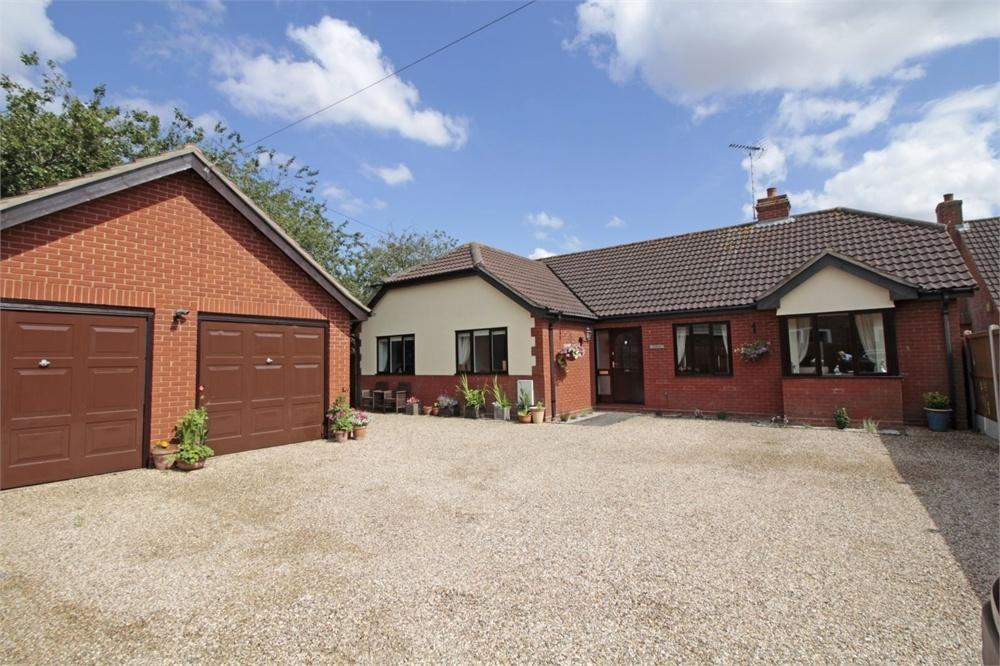 4 Bedrooms Detached Bungalow for sale in Church Road, Tiptree, COLCHESTER, Essex