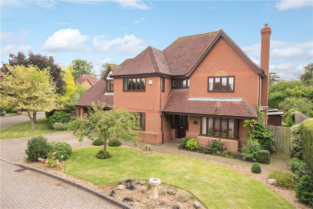 4 Bedrooms Detached House for sale in Orchard Close, Bromham, Bedford, Bedfordshire