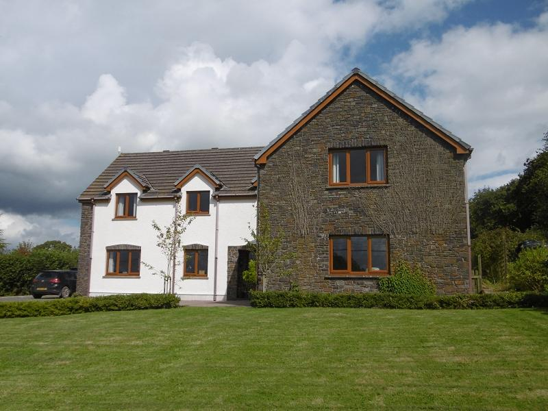 5 Bedrooms Detached House for sale in Salem, Llandeilo, Carmarthenshire.