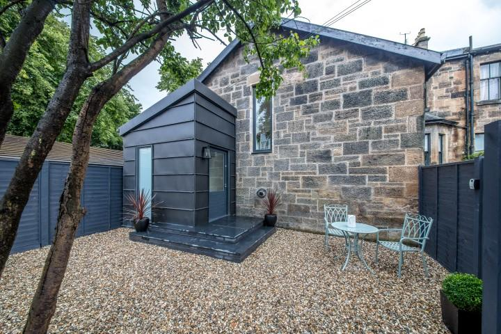 2 Bedrooms Mews House for sale in 26 Balshagray Lane, The Mews House, Broomhill, G11 7LX