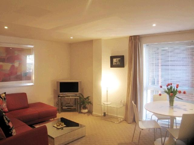 1 Bedroom Flat for sale in Trinity One, East Street, Leeds, West Yorkshire, LS9