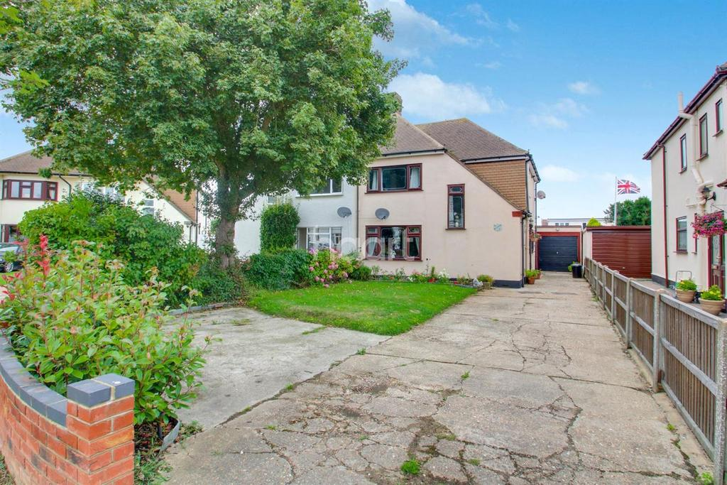 3 Bedrooms Semi Detached House for sale in Sheridan Avenue, Benfleet