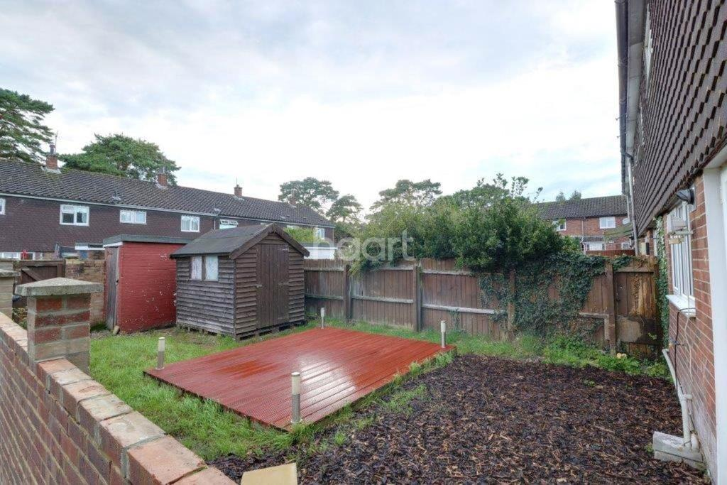 4 Bedrooms End Of Terrace House for sale in Elm Road, Thetford