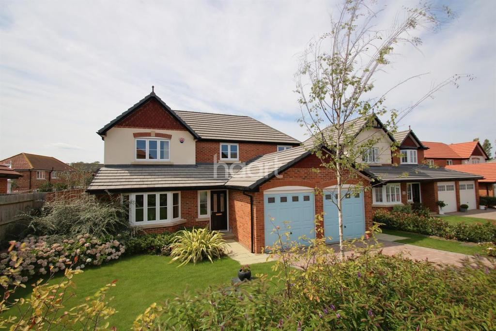 4 Bedrooms Detached House for sale in Carey Close