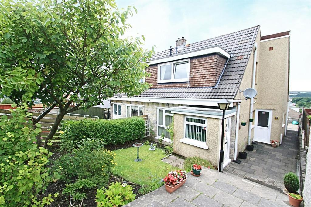 3 Bedrooms Semi Detached House for sale in Hereford Road, Beaufort, Ebbw Vale, Gwent