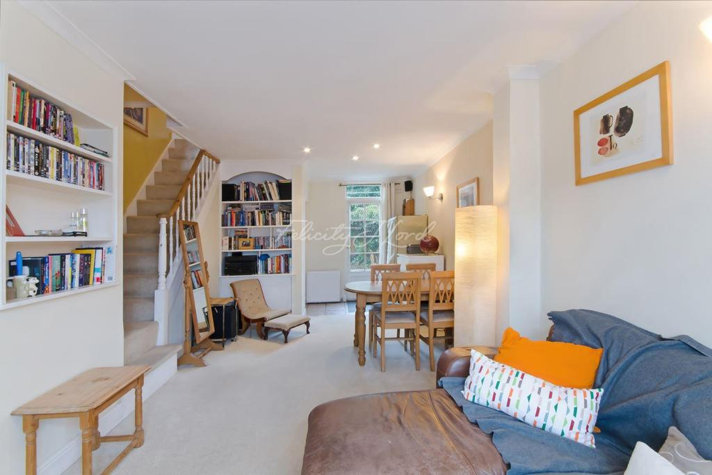 2 Bedrooms Terraced House for sale in Oriel Road, Hackney, E9