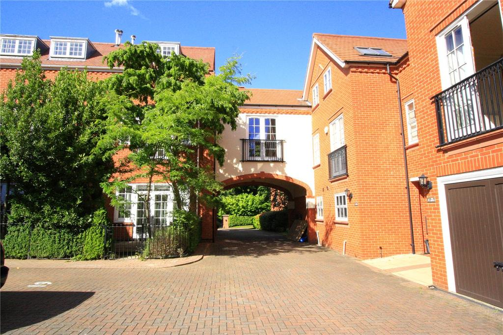 4 Bedrooms Town House for sale in Edwalton Hall Mews, Village Street, Edwalton, Nottingham, NG12