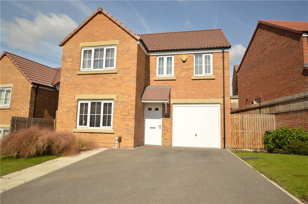 4 Bedrooms Detached House for sale in Seven Hill Way, Morley, Leeds