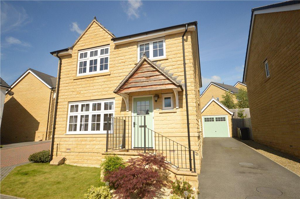 4 Bedrooms Detached House for sale in Branwell Close, Guiseley, Leeds, West Yorkshire