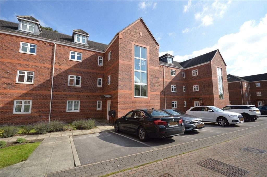 2 Bedrooms Apartment Flat for sale in Brackenhurst Place, Moortown, Leeds, West Yorkshire