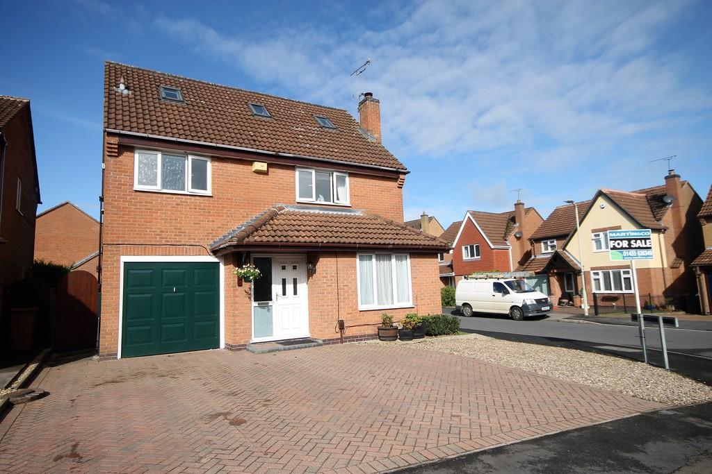 5 Bedrooms Detached House for sale in Newquay Close , Hinckley